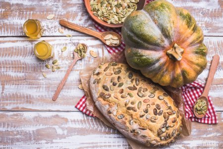 Bread with seeds and pumpkin
