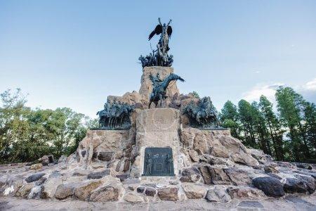 Photo pour Monument à l'armée des andes au sommet du cerro de la gloria au parc général san martin, inauguré le 12 février 1914, anniversaire de la bataille de chacabuco à mendoza, Argentine. - image libre de droit