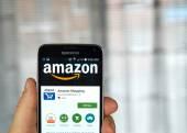Amazon app su un telefono cellulare