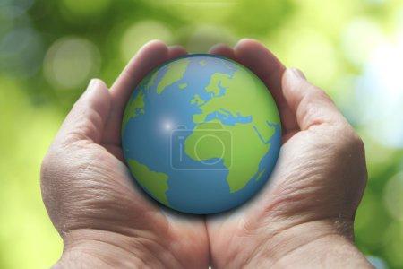 Foto de Manos sosteniendo el mundo - Imagen libre de derechos