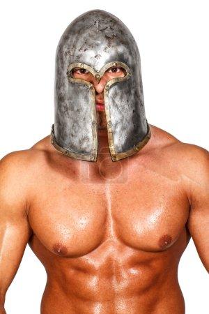 Photo pour Image de guerrier topless dans le casque - image libre de droit