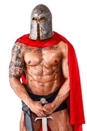 Photo pour Image du guerrier calme qui se tient debout avec son épée - image libre de droit