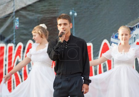 Egor Belov sing a song