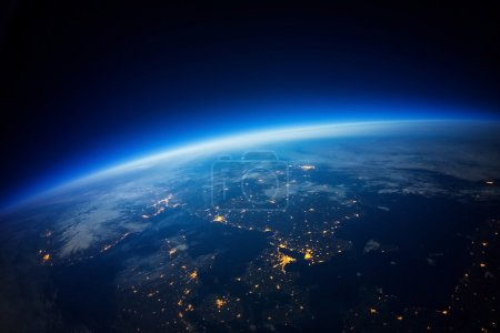 Photo pour Proche Photographie spatiale 20km au-dessus du sol photo réelle Éléments de cette image fournis par la NASA . - image libre de droit