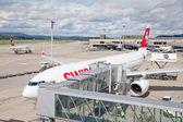 Švýcarské aerolinie Airbus na letiště v Curychu