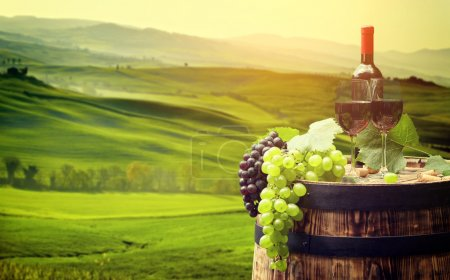 bouteille de vin et les verres sur Canon