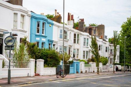Photo pour Maisons de ville typiques à brighton. Angleterre, Royaume-Uni - image libre de droit