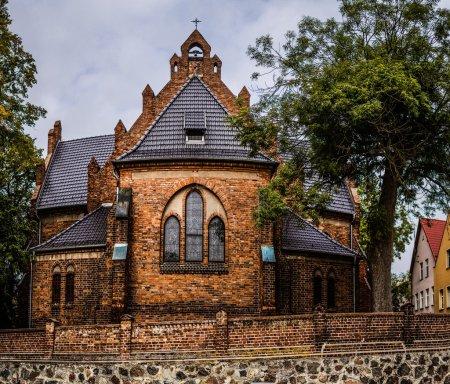 Photo pour Église Sainte-Anne de Sztumie, Pologne - Église paroissiale catholique romaine située dans la ville de Sztum en Poméranie. Il appartient au doyenné du diocèse d'Elblag . - image libre de droit