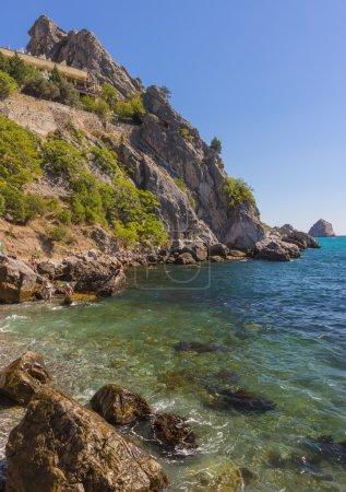 Photo pour Baies et plages Tchekhov, Mer Noire, Gurzuf, Ukraine - image libre de droit