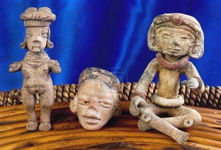 Photo pour Chiffres précolombiens réalisés autour de 100 avant JC à 600 après JC . - image libre de droit