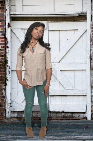 Foto de Hermosa joven atractiva una pose de modelado - Imagen libre de derechos