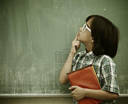 """Photo pour Enfants actifs en classe ayant une leçon d """"école - image libre de droit"""