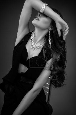 Photo pour Portrait de femme, noir et blanc sexy glamour belle - image libre de droit
