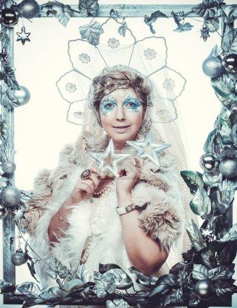 Photo pour Reine des neiges sur fond blanc. - image libre de droit