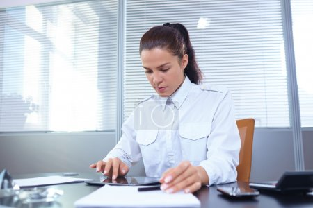 businesswoman using pc tablet