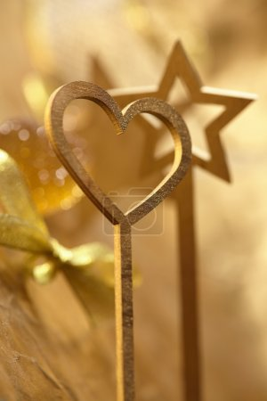 Photo pour Baguette magique or - décor festif - image libre de droit