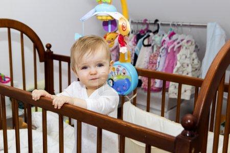 bebé feliz en casa, 12 meses