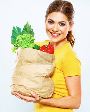 Photo pour Healthy lifestyle with green vegan food. White background. - image libre de droit
