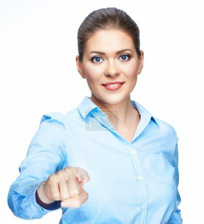 Photo pour Femme d'affaires pointant le doigt à vous d'isolement sur le fond blanc - image libre de droit