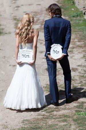 Mme et M., allons-y. !