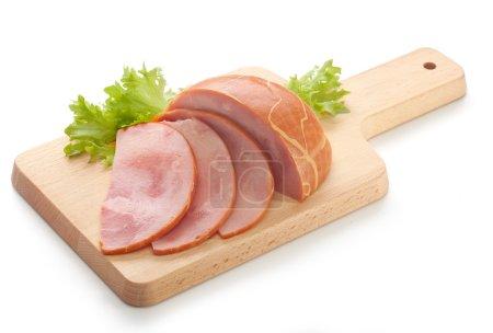Photo pour Haché de morceau de jambon sur la planche de bois - image libre de droit