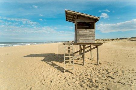 Photo pour Plage de Punta del Diablo sur la côte est uruguayenne - image libre de droit