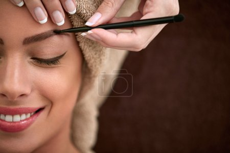 Professional drawing eyebrows