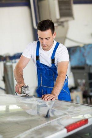 Car painter polishing part