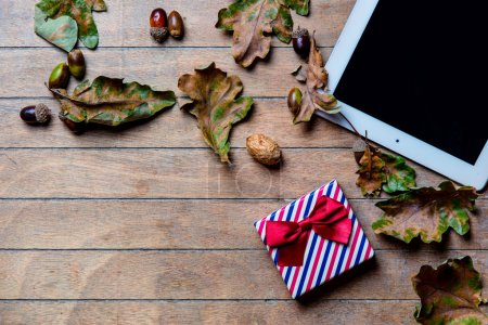tablet, gift an fallen leaves