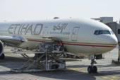 Použitá letadla Airbus A320-200 společnostiEtihad. Letiště v Abú Dhabí