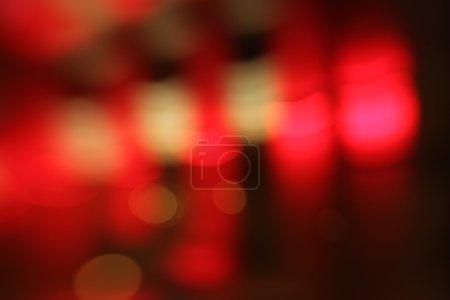 Foto de Luces de la ciudad abstracta desdibujan de fondo intermitente. Enfoque suave. - Imagen libre de derechos