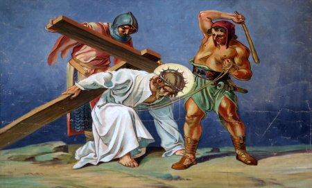 Photo pour 3ème Chemin de Croix, Jésus tombe pour la première fois - image libre de droit