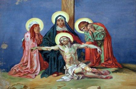 Photo pour 13e Chemin de Croix, le corps de Jésus est retiré de la croix - image libre de droit