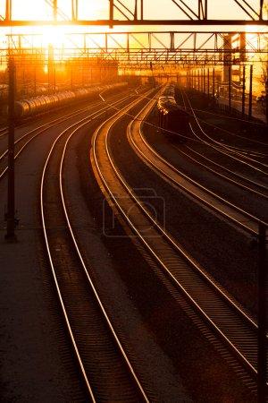 Photo pour Gare de transport au coucher du soleil - image libre de droit