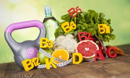 Witaminy i Fitness dieta, koncepcja życia