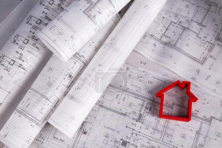 Photo pour Modèle de maison, concept de plans architecturaux - image libre de droit