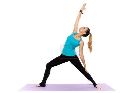 Photo pour Professeur d'yoga femme pratiquer l'yoga, isolé sur fond blanc - image libre de droit