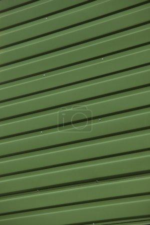 Photo pour Gros plan du cadre complet en fer ondulé vert - image libre de droit