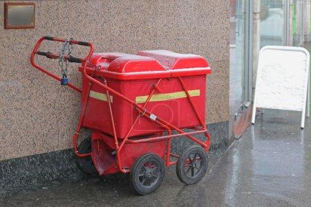 Postman Red Cart