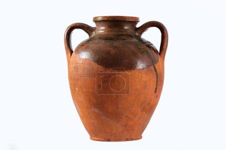 Photo pour Pot antique isolé sur fond blanc - image libre de droit