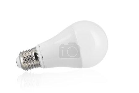 Photo pour Ampoule Led isolé sur fond blanc - image libre de droit