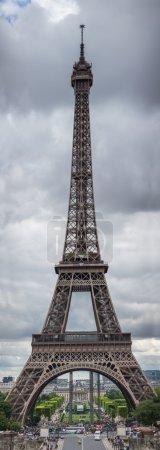 Photo pour La Tour Eiffel à Paris, France. - image libre de droit
