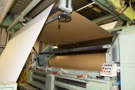 Paper are delivered to corrugators, wrapped around large reels and are processed into sheets of corrugated cardboard.