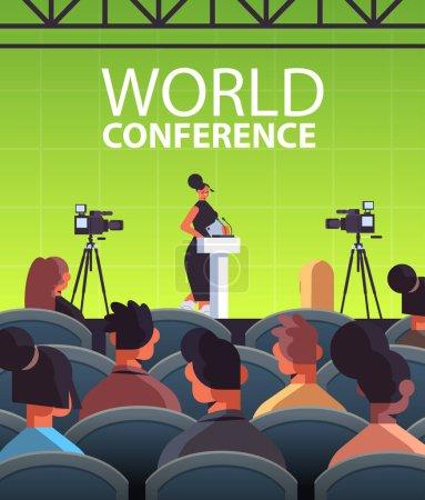 Illustration pour Femme d'affaires donnant un discours à tribune avec microphone sur l'illustration vectorielle verticale intérieure de salle de conférence mondiale internationale d'entreprise - image libre de droit