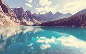 """Постер, картина, фотообои """"Красивое Озеро Морейн"""""""