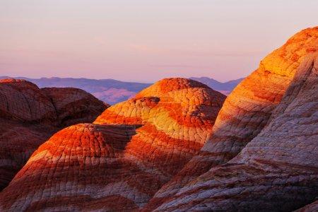 Photo pour Formations de grès en Utah, États-Unis.Yant plat . - image libre de droit