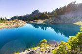 Ann jezero a hory Shuksan