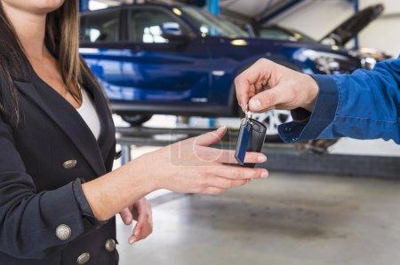 Customer gets the car keys