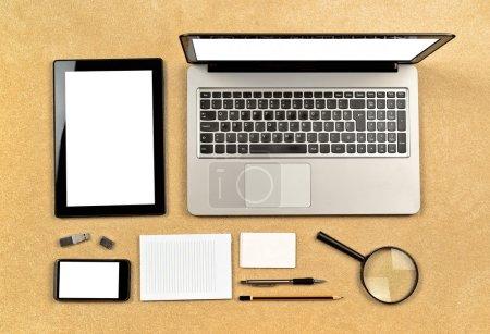 Foto de Herramientas de diseño web para la creación de sitios web organizan cuidadosamente - Imagen libre de derechos