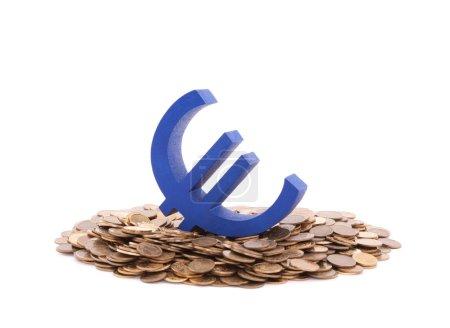 Photo pour Symbole euro bleu avec pile de pièces - image libre de droit